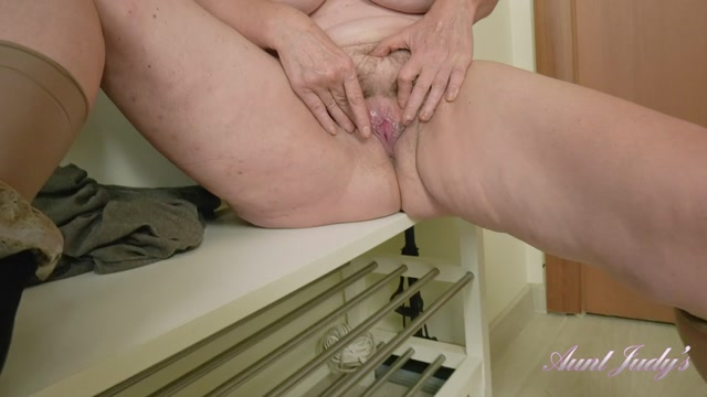 Watch Online Porn – AuntJudies presents Esmerelda (MP4, FullHD, 1920×1080)