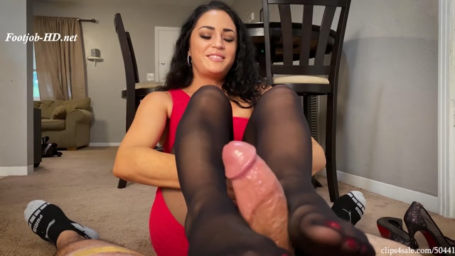 Caught_Staring_By_Mom_s_Co_Worker_Cleo_Footjob_-_Bratty_Babes_Own_You.mp4.00009.jpg
