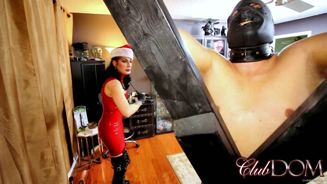 ClubDom_-_Raven_Even_Santa_Cane_-_New_Year_Caning.mp4.00012.jpg