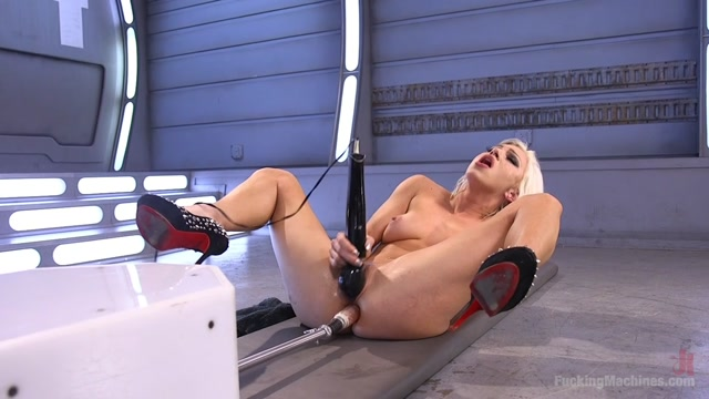 Watch Free Porno Online – FuckingMachines – Cameron Dee – All Natural Blonde Bomb Shell Does Anal and Screams for More (MP4, HD, 1280×720)