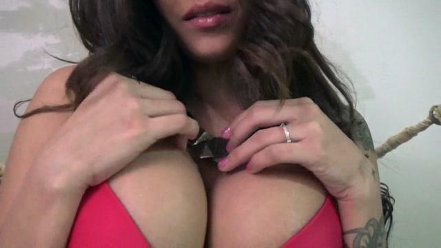 Goddess_Jamie_Valentine_-_Beta_Bitches_Beg_For_Breasts.mp4.00006.jpg