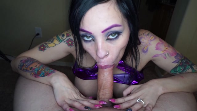 Jasmine_Dark_-_Slut_Wife_Entertains_Friends_With_Facial.mp4.00011.jpg