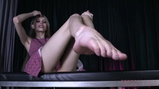 Watch Free Porno Online – KyaasEmpire – Foot Worship For Ryan (MP4, FullHD, 1920×1080)