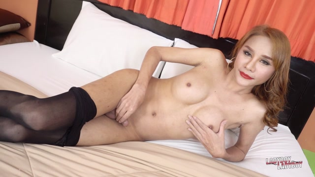 Ladyboy-ladyboy_presents_Anny__Hot_In_Black____17.01.2020.mp4.00003.jpg