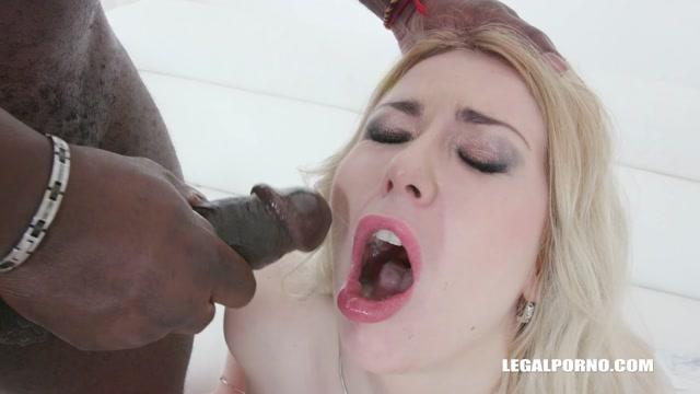 Watch Online Porn – LegalPorno presents Isabella Clark drinks african champagne IV437 – 08.01.2020 (MP4, HD, 1280×720)