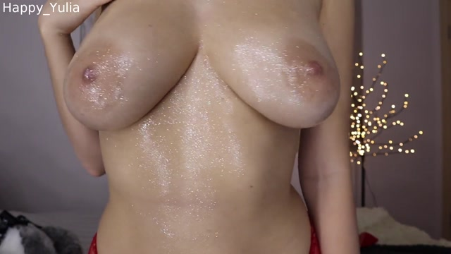 ManyVids_presents_Happy_Yulia_in_19.12.16_Christmas_Boobs_with_Glitter_Show.mp4.00005.jpg