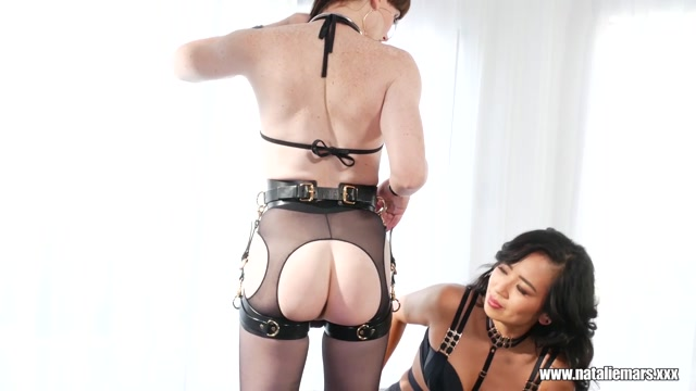 NatalieMars.xxx_presents_Natalie_Mars___Fisted_By_Mistress_Khan___29.01.2020.mp4.00011.jpg