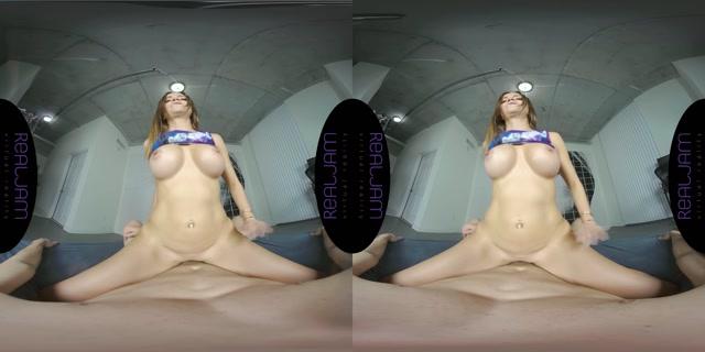 RealJamVR_presents_Sexy_Ass_in_Tight_Shorts_-_Havana_Bleu_4K.mp4.00014.jpg