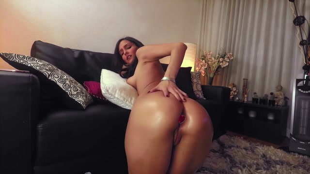 Really_Exciting_Big_Ass_Oiled_Girl_Dildo_Anal_Play.mp4.00002.jpg