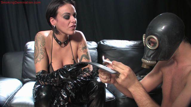SmokingDomination_presents_Mistress_Victoria_Brown_dominates_male_slave_with_her_smoke.wmv.00000.jpg