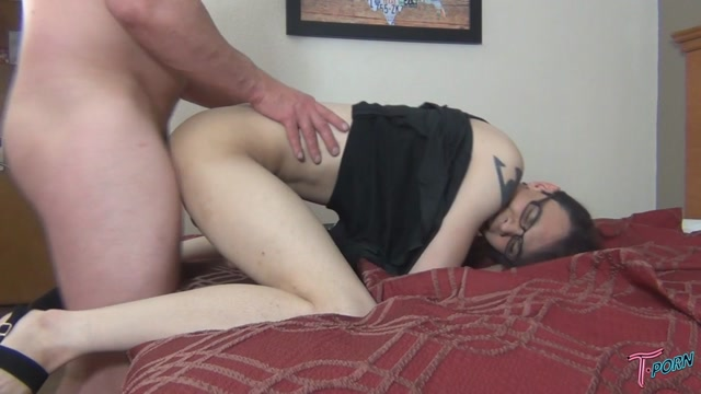 T.porn_presents_Kerri_La_Bouche_Sucks_And_Fucks.mp4.00013.jpg