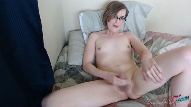 T.porn_presents_Simone_Belle_2.mp4.00011.jpg