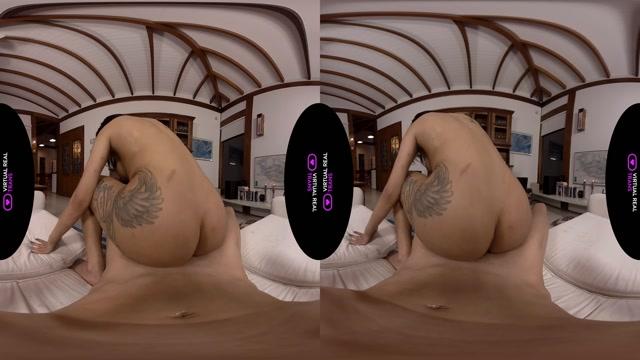 Virtualrealtrans_presents_Vitoria_Neves_Garter_Belt_Lover___18.01.2020.mp4.00014.jpg