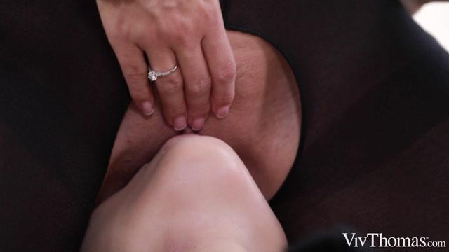 VivThomas_presents_Jessica_Portman___Vicky_Love_-_Follow_Me___22.01.2020.mp4.00008.jpg