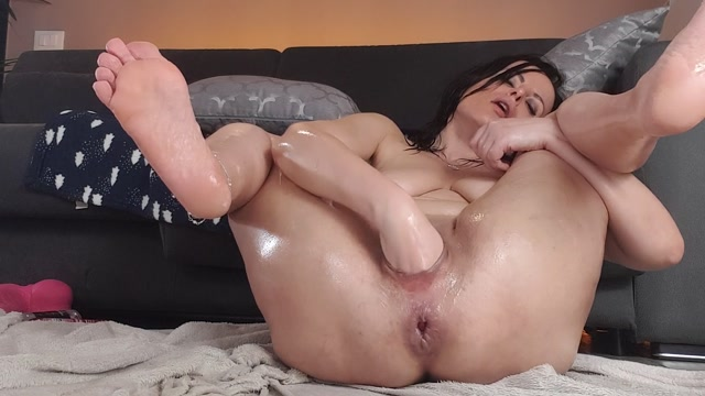 Watch Free Porno Online – naughtyellexxx – fisting and wrecking both my holes (MP4, FullHD, 1920×1080)