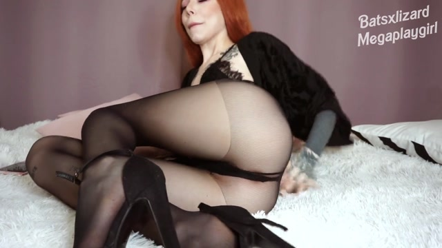 064_Black_Mail_Fantasy_Daddy_Roleplay_Femdom_in_Black_Tights_and_Heels_Elisabeth_Weir.mp4.00001.jpg