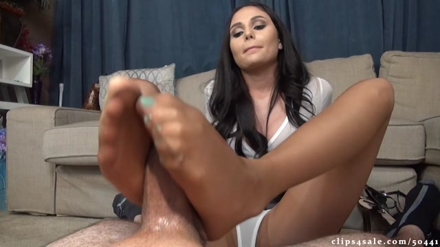 Ariana_Marie_Exposes_Boss_To_Get_Raise_Footjob_-_Bratty_Babes_Own_You.mp4.00005.jpg