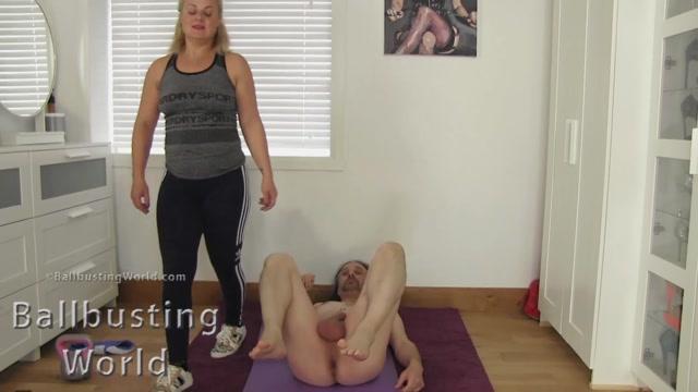 BallbustingWorld_-_That_s_Not_Yoga__-_Mistress_Athena.mp4.00008.jpg