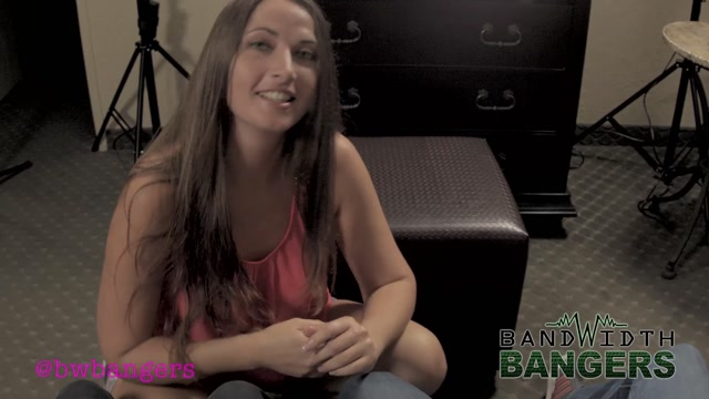 Watch Online Porn – Bandwidth Bangers Fetish Clips – Madisin Lee – MILF Jerks Off Her Son and His Friend (MP4, FullHD, 1920×1080)