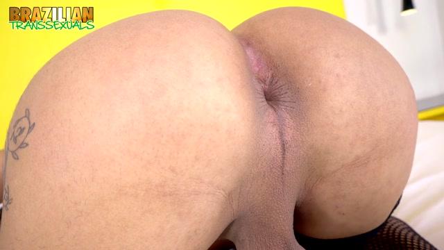 Brazilian-transsexuals_presents_Vitoria_Neves_Returns_New_Solo___11.02.2020.mp4.00003.jpg