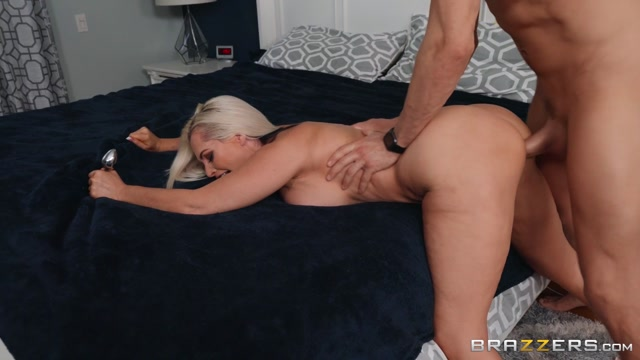 Brazzers_-_MommyGotBoobs_presents_Alena_Croft_-_But_Her_Mom_Will___19.02.2020.mp4.00003.jpg