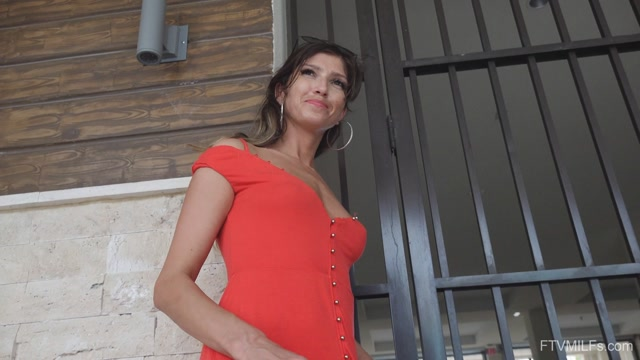FTVMilfs_presents_Karina_in_Russian_Rain_-_Beautiful_Fit___Slender_3___11.02.2020.mp4.00011.jpg