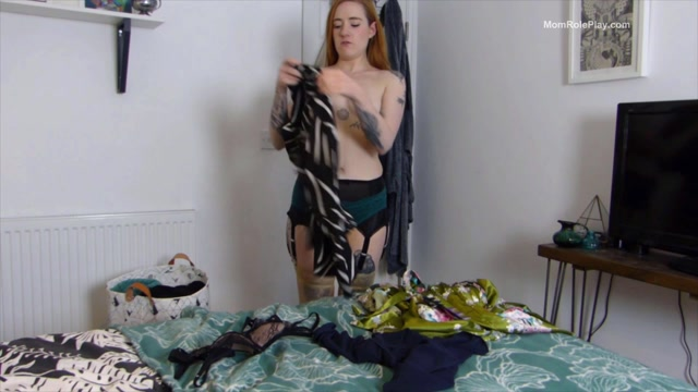 Fiona_Dagger_-_Step-Mom_Caught_You_Sniffing_Panties.mp4.00014.jpg