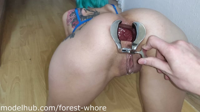 Forest_Whore_-_27___Anal_gape__anal_cooking_and_eating_food_from_ass_with_cum__2019-11_.mp4.00001.jpg