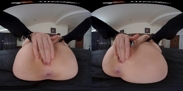 In_Bed_with_Lindsey_Love_-_Lindsey_Love_4K.mp4.00006.jpg