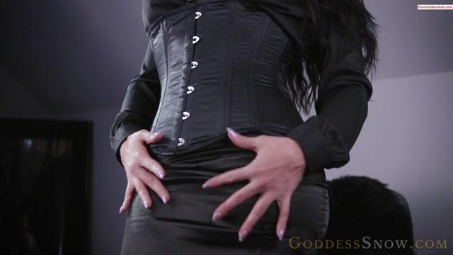 Iwantclips_presents_Goddess_Alexandra_Snow_in_Satin_Indulgence____10.99__Premium_user_request_.mp4.00011.jpg