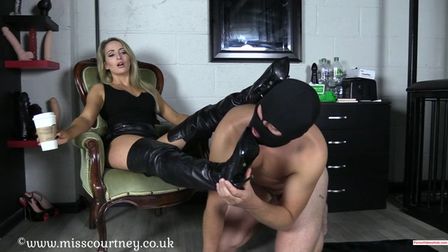 Watch Online Porn – Iwantclips presents mistresscourtney in Morning Boot Worship – $10.99 (Premium user request) (MP4, FullHD, 1920×1080)