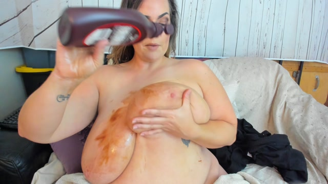Kateskurves_-_BBW_Chocolate_Syrup_Titties.mp4.00008.jpg