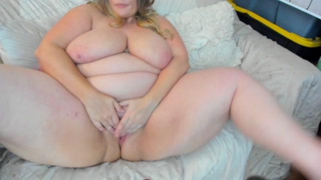 Kateskurves_-_BBW_Fucks_Her_Pussy.mp4.00009.jpg