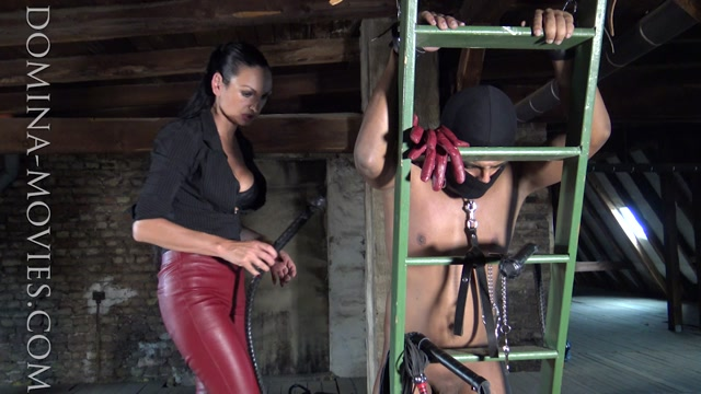 Madame_Catarina_-_Cruelest_Beauty_-_The_Attic_Thief_Caught_And_Used_In_The_Act_-_Entire_Movie.mp4.00008.jpg