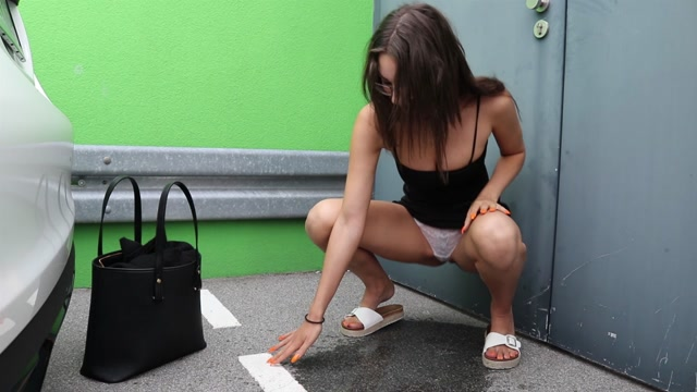 ManyVids_presents_Shaiden_Rogue_aka_tworogues_in_shaiden_public_piss_and_masturbation.mp4.00012.jpg