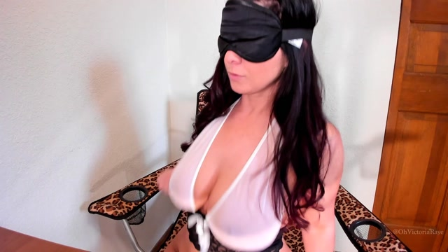 ManyVids_presents_Victoria_Raye_aka_Sweet_Victoria_in_Custom_Blindfolded_Boob_Bounce_HD_Video_160918.mp4.00014.jpg