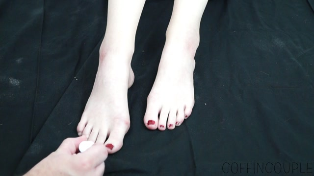 Princess_Wystri_s_Pedicure_Pet.mp4.00007.jpg
