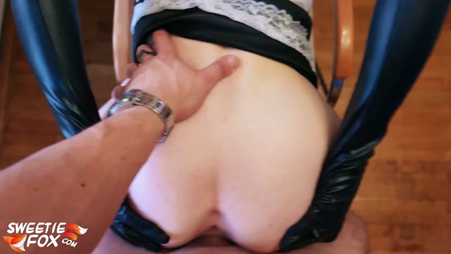 Sweetie-Fox_-_Pretty_Maid_Deepthroat_and_Hard_Fucking.mp4.00009.jpg