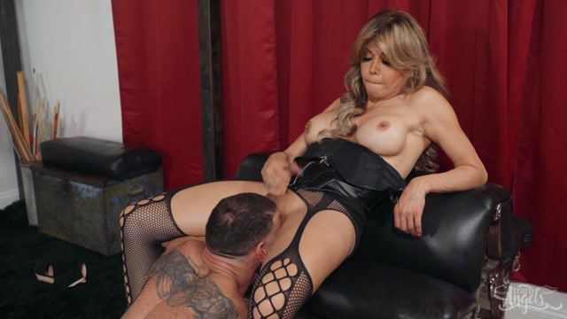 TransAngels_presents_A_Luncheon_With_Daughter__A_Dungeon_With_Mother_-_22.02.2020.mp4.00010.jpg