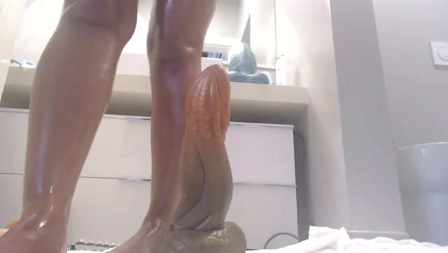 Watch Online Porn – naughtyelle – Extreme anal clips compilation with dragon dildos (MP4, SD, 852×480)