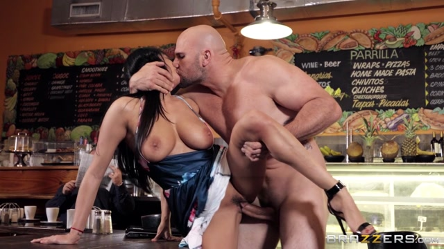 Watch Online Porn – Brazzers – MilfsLikeItBig presents Anissa Kate – Not Here For The Coffee – 28.03.2020 (MP4, HD, 1280×720)