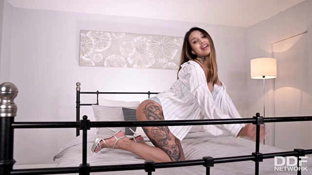 DDFNetwork_-_1By-Day_presents_Roxy_Lips_-_Anal_Toy_Sex_For_Tattooed_Babe___26.03.2020.mp4.00001.jpg