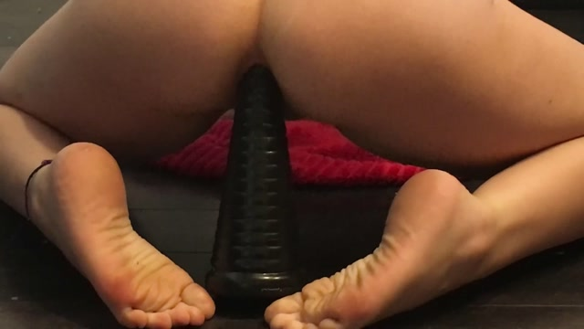 LexaLite_anal_gape_stretching_herself.mp4.00000.jpg