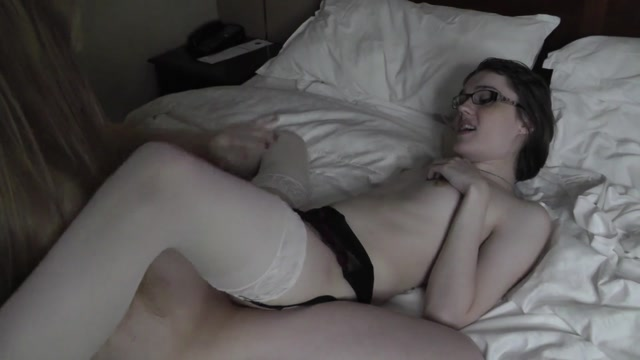 ManyVids_presents_Claire_Tenebrarum__FlammableOil____Roxxie_Moth_-_Tgirl_Lesbians_Fuck__Morning_Fuck_with_TGirls.mp4.00014.jpg