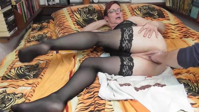 SicFlics_presents_XL_pussy_fisting_massage___13.03.2020.mp4.00012.jpg