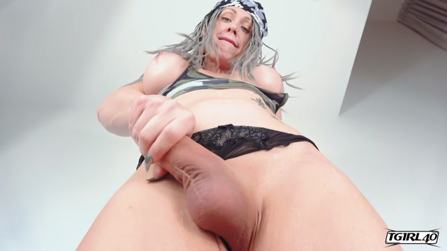 TGirl40_presents_Kimber_Haven_Cums_For_You____05.03.2020.mp4.00005.jpg