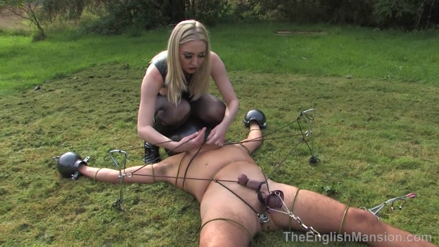 The_English_Mansion_-_Mistress_Sidonia_-_Metal_Ball_Stakeout_-_Complete_Movie.mp4.00008.jpg
