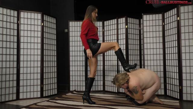 Cruel_Mistresses_-_No_mercy_for_the_balls_-_Mistress_Amanda.mp4.00008.jpg