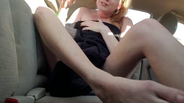 Dallaralive_-_Almost_Caught_Naked_Public_Masturbation.mp4.00007.jpg