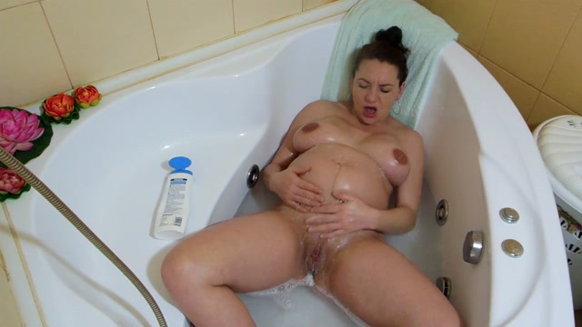 Elisha4ubbb_-_31_Weeks_Pregnant_Hd_Quothorny_In_Tubquot.mp4.00012.jpg